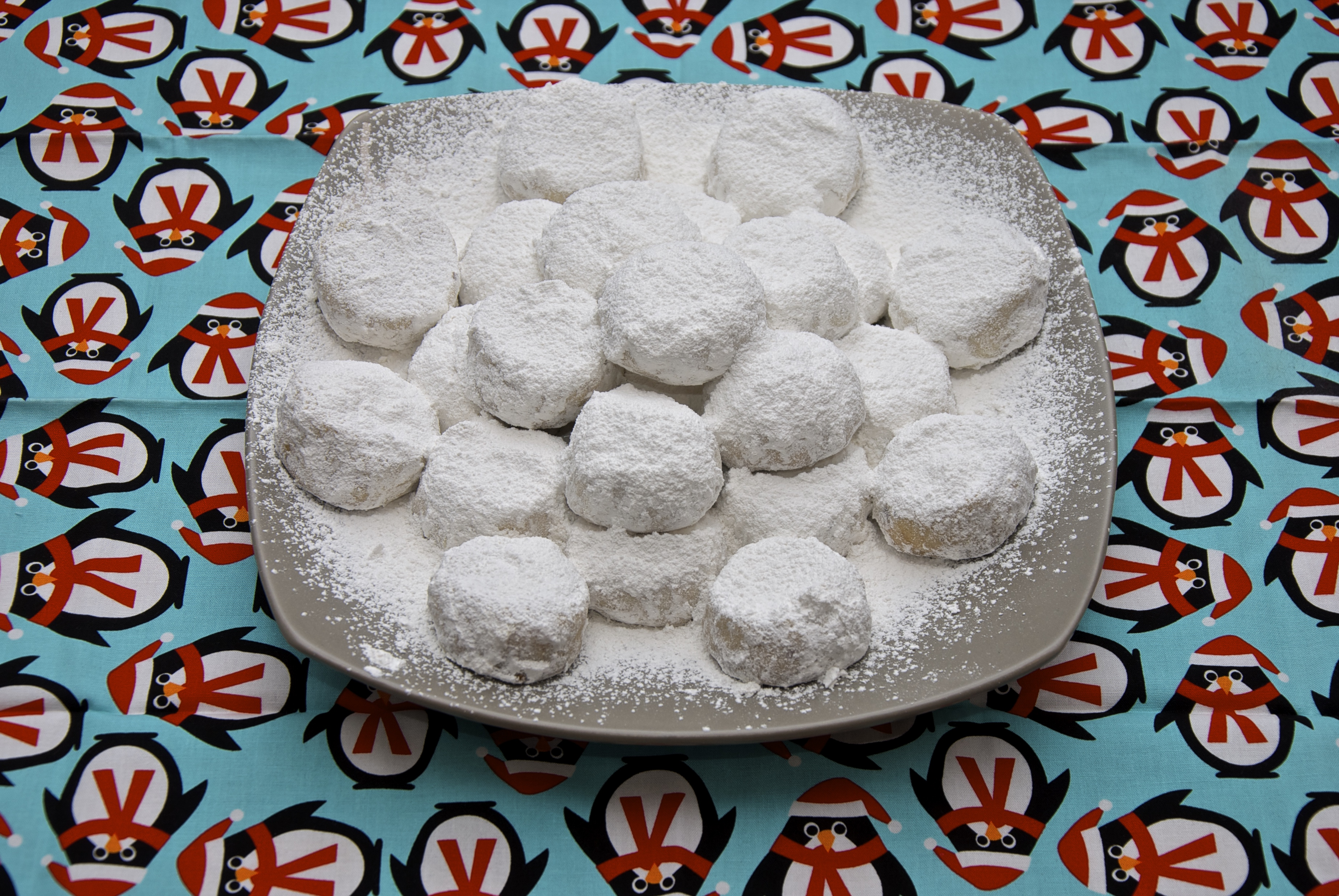 Greek Christmas Cookies: Kourampiedes